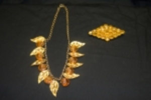 Large Lot of Vintage & Victorian Jewelry