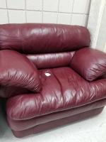 Sealy single person leather arm chair