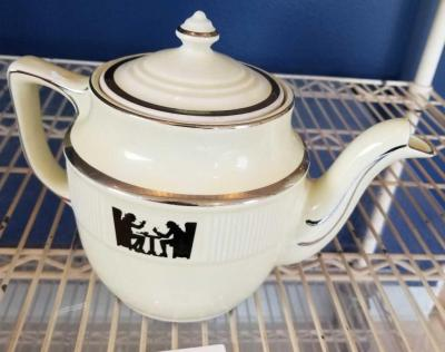Vintage Hall's Superior Quality Kitchenware Silhoutte Teapot