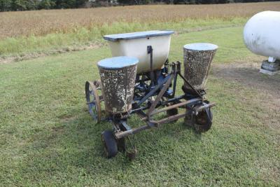 Ford 309 2 row corn planter