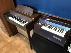2 electric cord organs