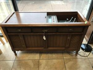Vintage Magnavox cabinet stereo