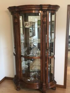 High quality curved glass collectors cabinet
