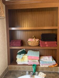 Towels & basket