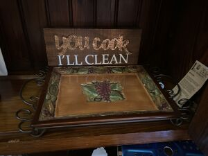Serving tray with metal stand, wooden sign