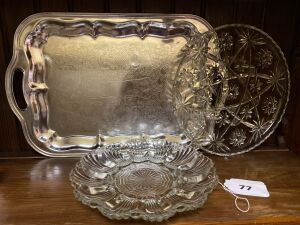 Tray, glass plate, glass egg plate