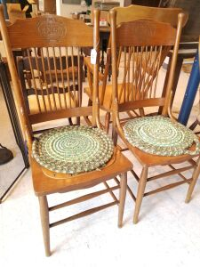 Set of Chairs with Seat Cushions