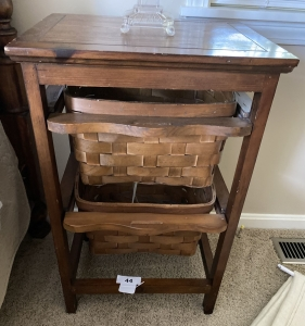 Side table with 2 basket drawers