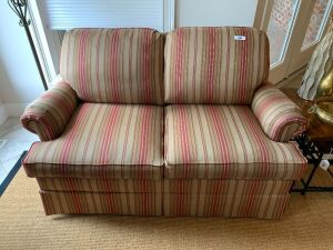 Norwalk 2 cushion sofa