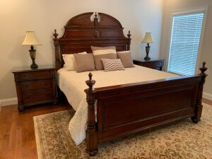 Beautiful Thomasville bedroom suite
