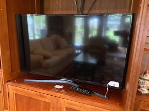 "Samsung 40"" flat screen TV, JVC DVD player"