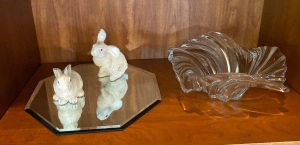 Glass bowl, mirrored tray, pair of bunny figures