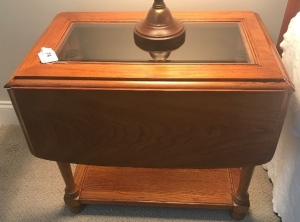 Oak finish drop leaf lamp table w/ glass insert