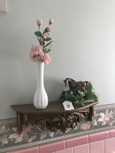 Wall shelf; vase; horse figure