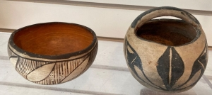 2 Native American pottery pieces