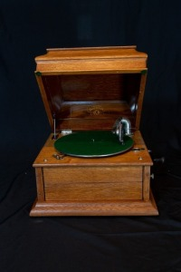 Columbia Grafonola phonograph in oak case