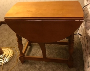 Side table with drop leaves