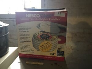 Nesco food dehydrator & Jerky maker