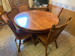 Tell city Oak pedestal table & 4 chairs with