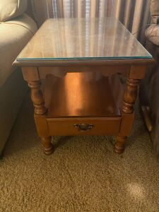Pair of young republic tell city 1 drawer lamp tables