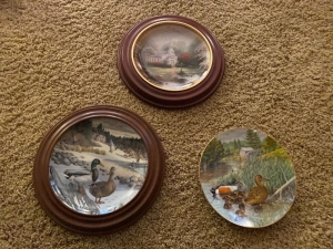 2 Knowles Wildlife plate (one has chip), Thomas Kinkade collector plate