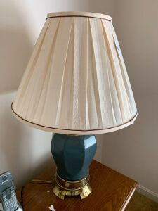 Pair of lamps with blue base