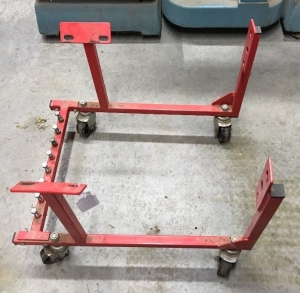 Engine cradle on casters