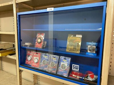 Display cabinet & gauges