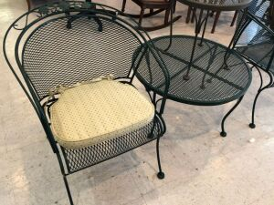 4 pc of Wrought iron patio Furniture