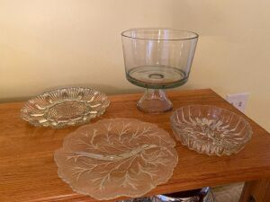 Trufle dish, glass condiment dish, glass
