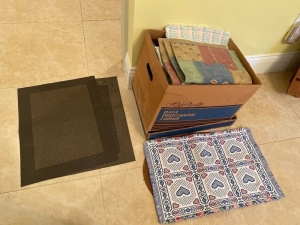 Lot of placemats, table linens