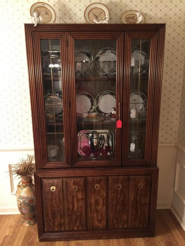 Lot 5 Of 210 Bassett Furniture Dining Room Table China Cabinet